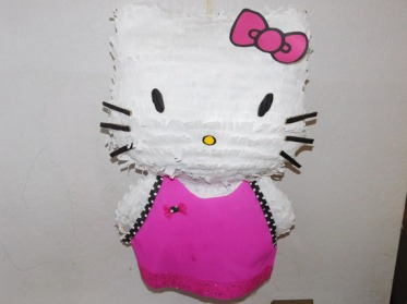 decoration-pour-enfants-pinata-hello-kitty-personnalisee-v-17482686-dscn0821-jpg-f00a3f-8813a_570x0